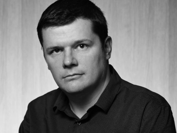 Photo of Toby Lewis, blockchain, cryptocurrency & ICO guru and CEO of Novum Insights, for Caroline Gibson's freelance copywriting blog