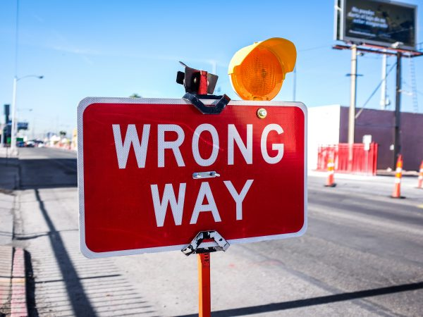 Wrong way sign to illustrate Caroline Gibson's blog about common freelance copywriting mistakes